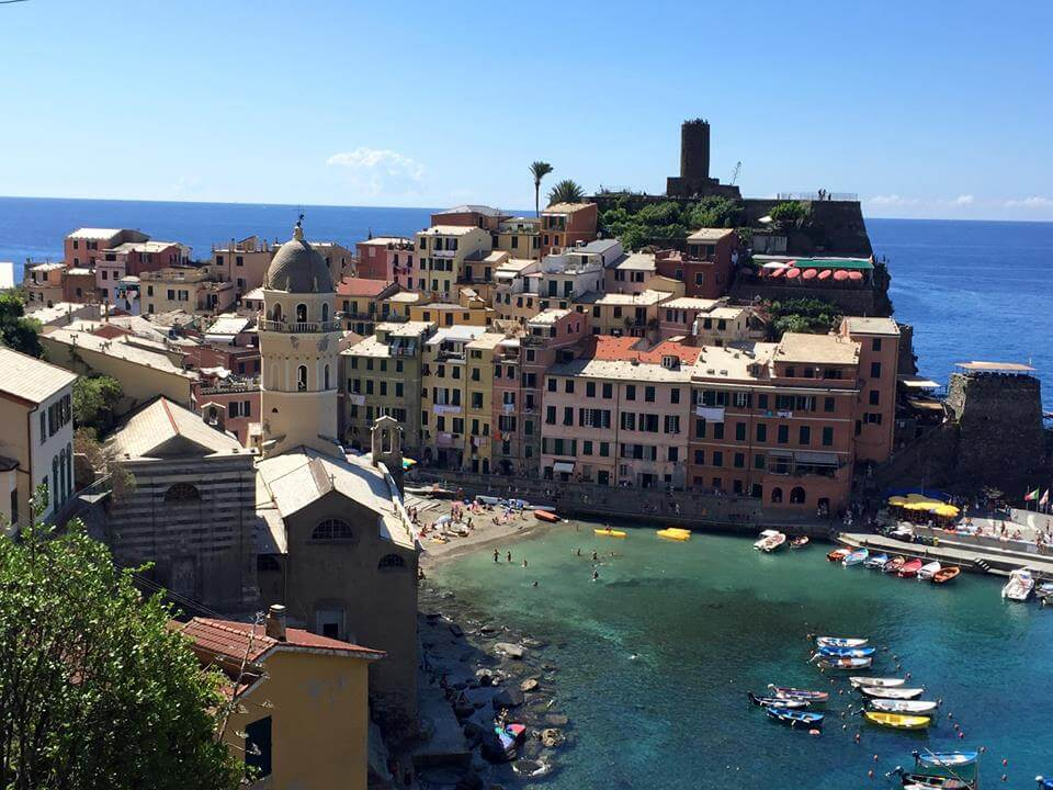 Yoga in italy - Cinque Terre Excursion Vernazza