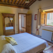 Il Borghino Retreat Centre - room with double bed called I Nespoli - Gialla