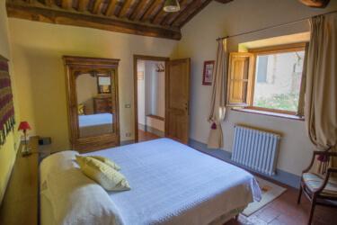Il Borghino Retreat Centre - room with double bed called I Nespoli - Gialla