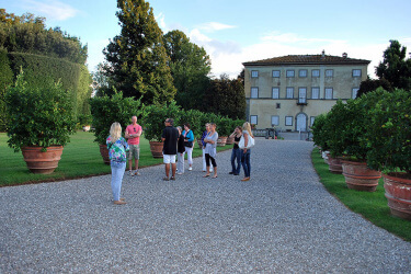 Yoga in Italy Tour of the Villas in Lucca